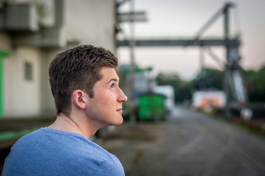 Schauspieler Shooting mit Alexander Heinen im Industriehafen Köln